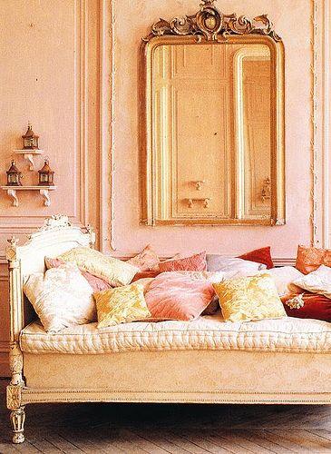 Peach Room, House & Garden, Brabourn Farm