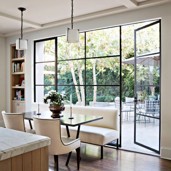 Modern Architectural Details: Using Glass Walls and Doors to Add Interest