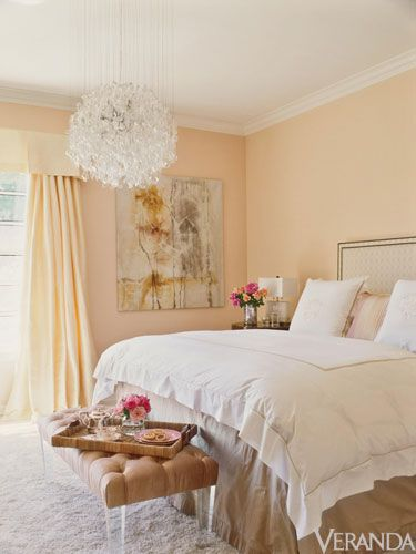 The Prettiest Bedroom & A Few Weekend Links