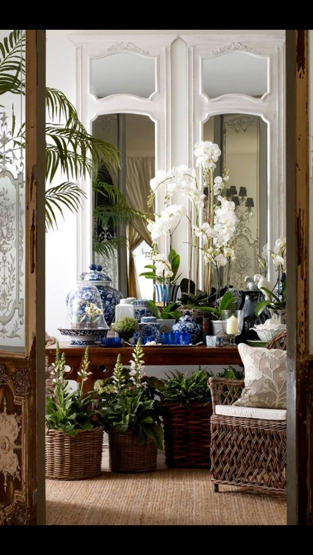 Classic Blue and White Chinoiserie - Chinoiserie Chic