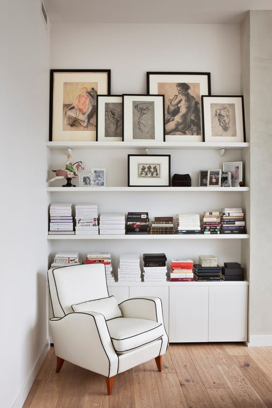 shelving, well staged // nooks with books