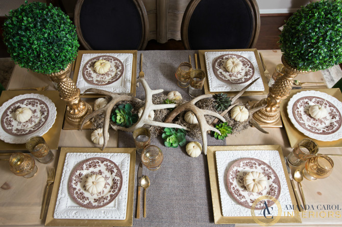 Fall table with antlers and boxwood