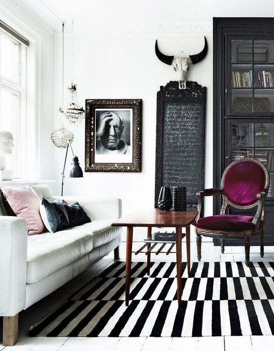 This black and white room is perfect. Interior Inspiration: Eclectic Glamour:
