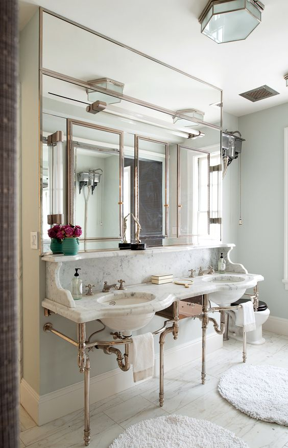 The renovated master bath on the upper level. (Photo: Jane Beiles for The New York Times):