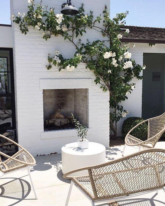 | weekend starts now | #perfectcourtyard #kellynuttdesign #happymemorialweekend  @diberry5 @hartconcretedesign: