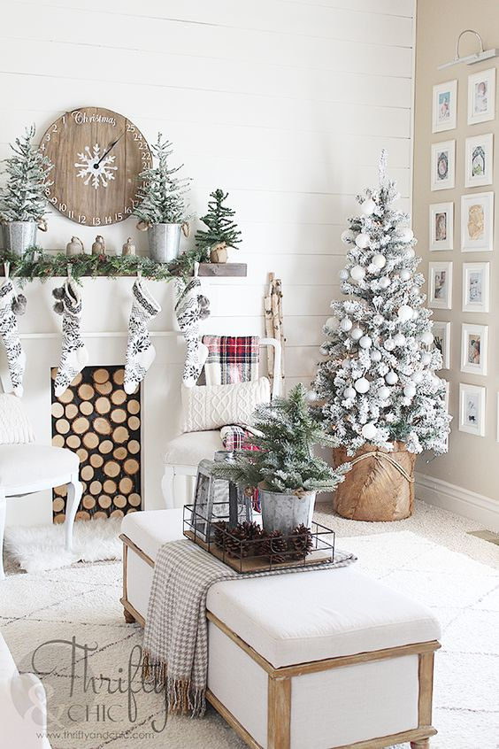 Farmhouse Christmas decor and decorating ideas. White and red Christmas decor. Fixer upper style, farmhouse style: