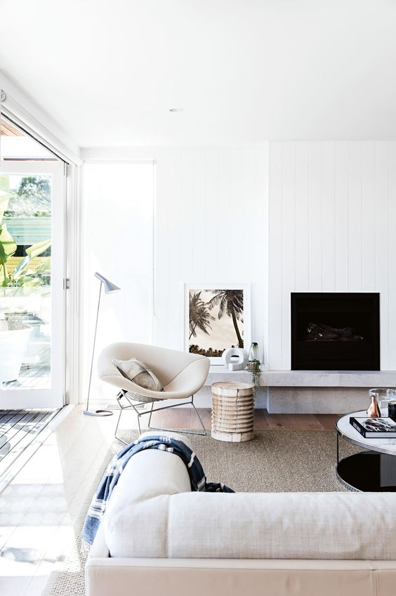 How to create a Hamptons style beach house for summer. Styling by Kerrie-Ann Jones. Photography by Maree Homer. From the January 2017 issue of Inside Out Magazine. Available from newsagents, Zinio, https://au.zinio.com/magazine/Inside-Out-/pr-500646627/cat-cat1680012#/, Google Play, https://play.google.com/store/newsstand/details/Inside_Out?id=CAowu8qZAQ, Apple's Newsstand,https://play.google.com/store/newsstand/details/Inside_Out?id=CAowu8qZAQ, and Nook.: