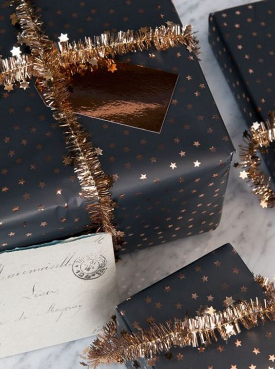 This black and gold pairing is gorgeous. There is some amazing gift wrapping inspiration here
